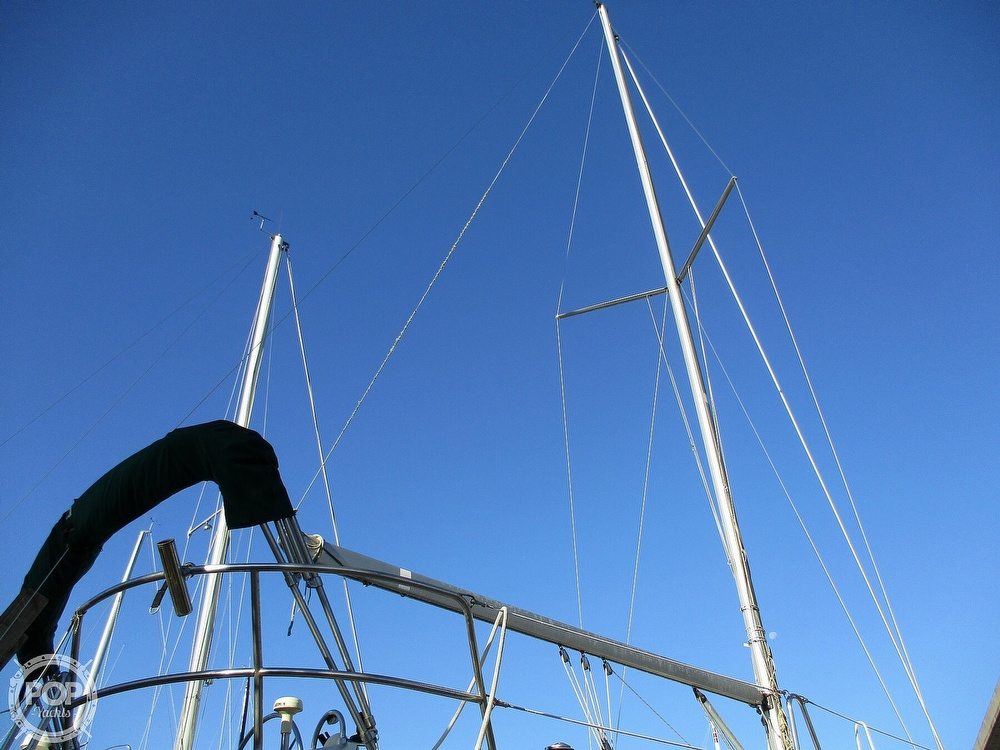 2000 Beneteau boat for sale, model of the boat is 311 & Image # 9 of 32