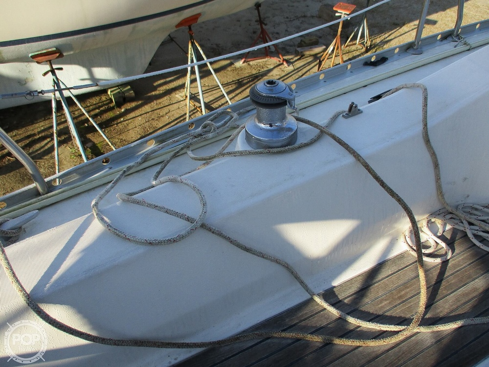 2000 Beneteau boat for sale, model of the boat is 311 & Image # 14 of 32