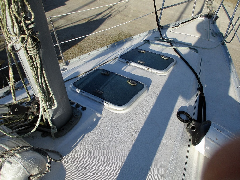 2000 Beneteau boat for sale, model of the boat is 311 & Image # 18 of 32
