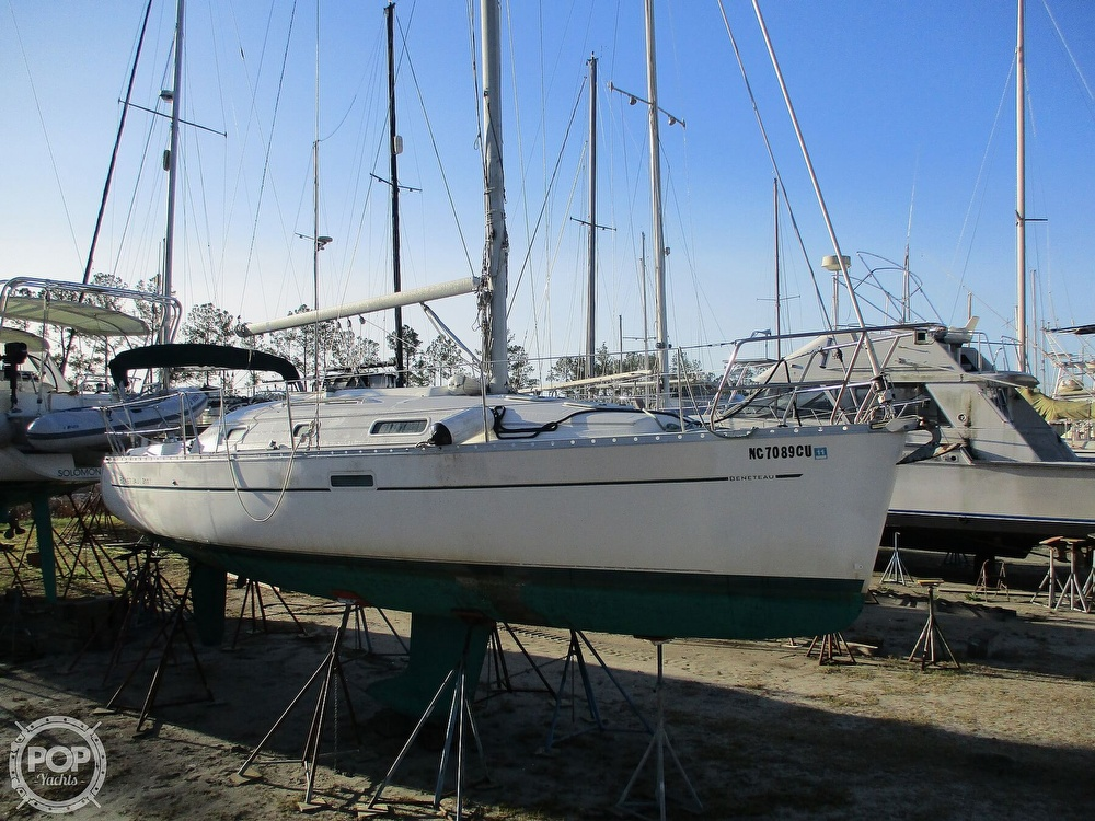 2000 Beneteau boat for sale, model of the boat is 311 & Image # 25 of 26