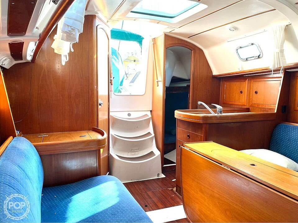 2000 Beneteau boat for sale, model of the boat is 311 & Image # 21 of 32