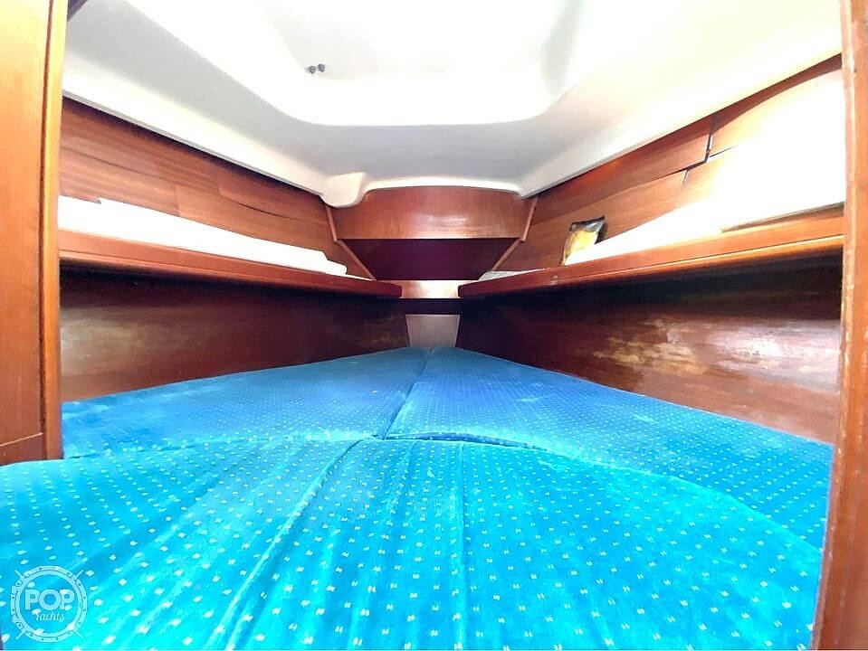 2000 Beneteau boat for sale, model of the boat is 311 & Image # 23 of 32