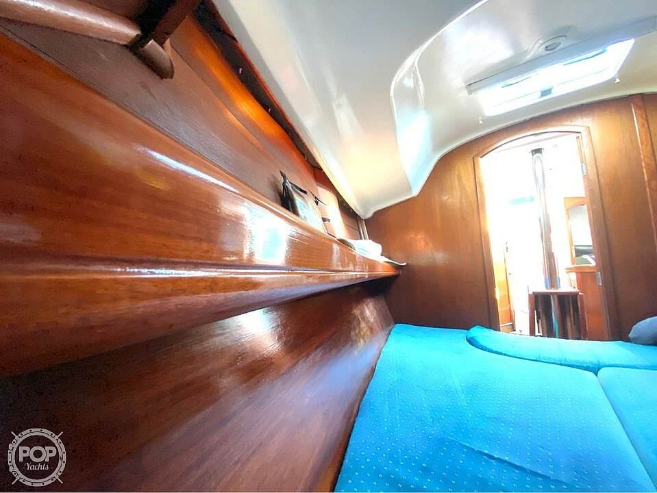 2000 Beneteau boat for sale, model of the boat is 311 & Image # 26 of 32