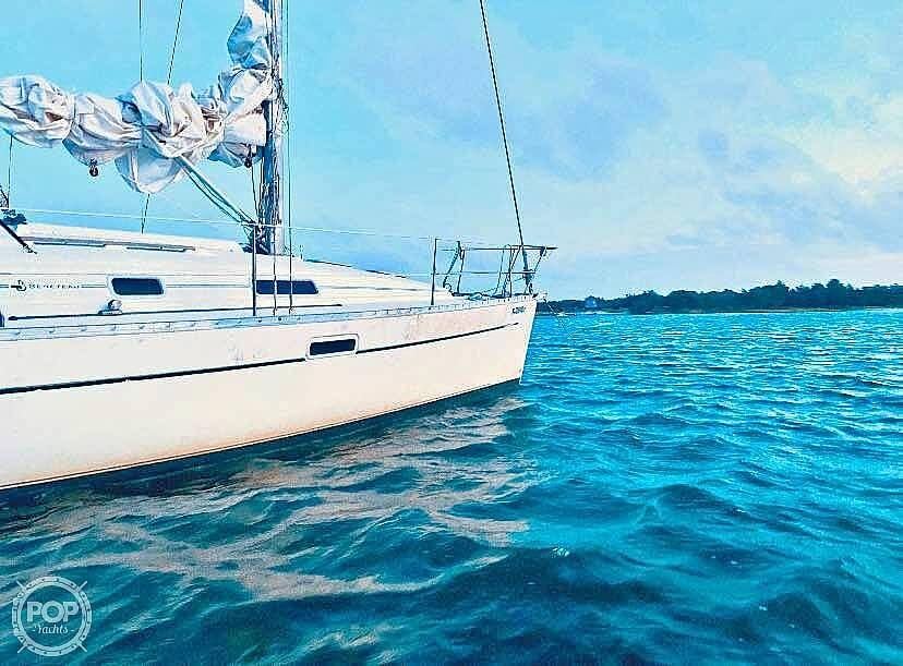2000 Beneteau boat for sale, model of the boat is 311 & Image # 2 of 32
