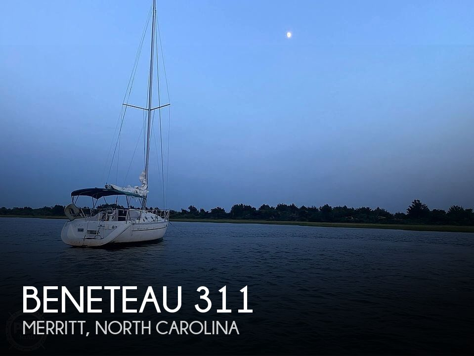 2000 Beneteau boat for sale, model of the boat is 311 & Image # 1 of 32