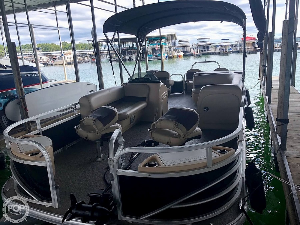 2017 Sun Tracker boat for sale, model of the boat is XP3 Fishing Barge & Image # 2 of 40