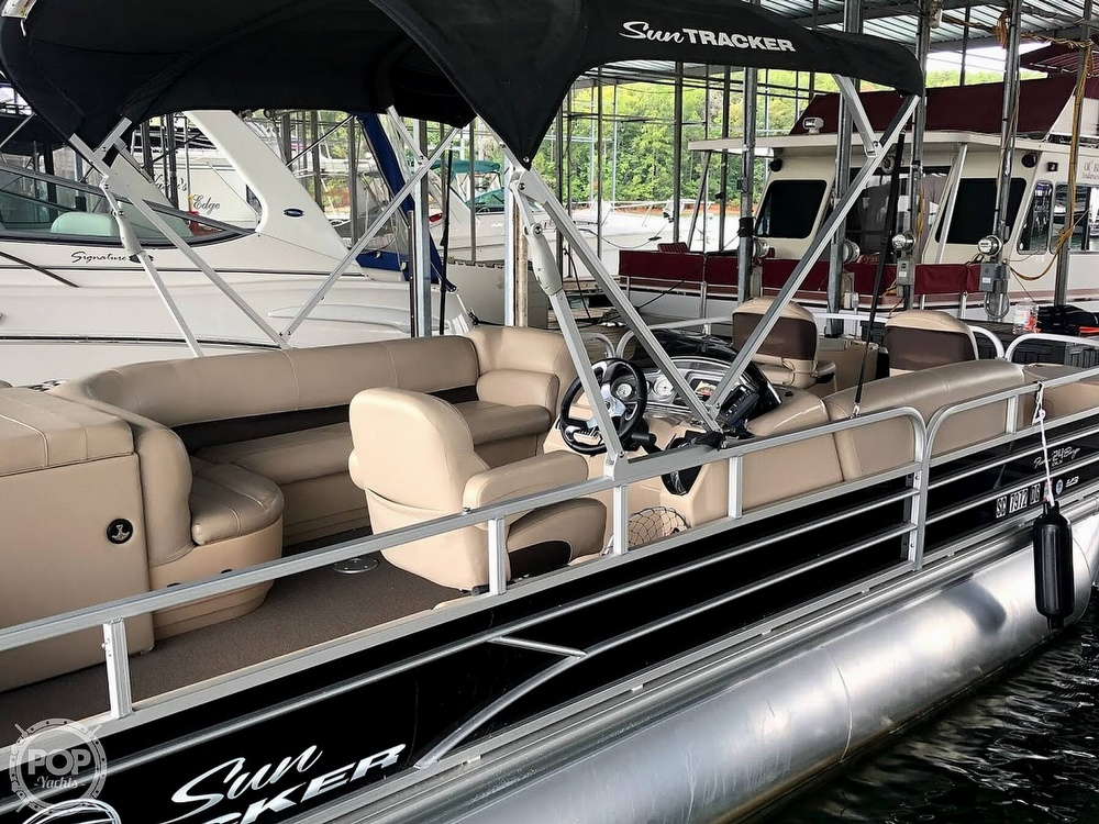 2017 Sun Tracker boat for sale, model of the boat is XP3 Fishing Barge & Image # 3 of 40