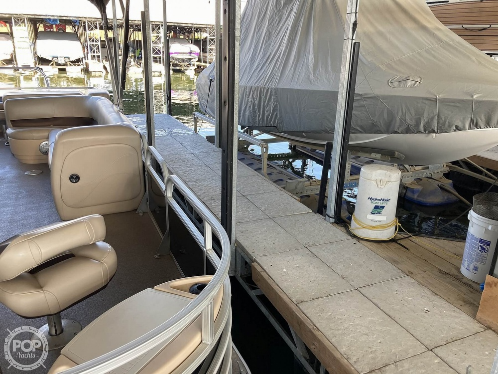 2017 Sun Tracker boat for sale, model of the boat is XP3 Fishing Barge & Image # 7 of 40