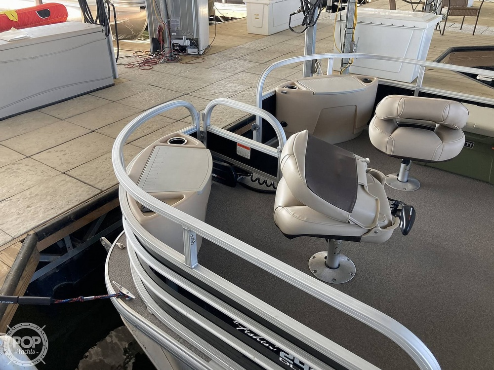 2017 Sun Tracker boat for sale, model of the boat is XP3 Fishing Barge & Image # 9 of 40