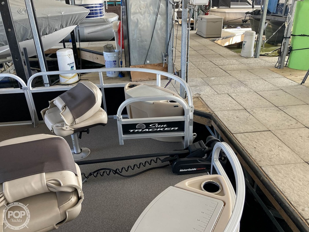 2017 Sun Tracker boat for sale, model of the boat is XP3 Fishing Barge & Image # 12 of 40