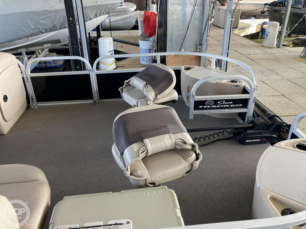 2017 Sun Tracker boat for sale, model of the boat is XP3 Fishing Barge & Image # 13 of 40
