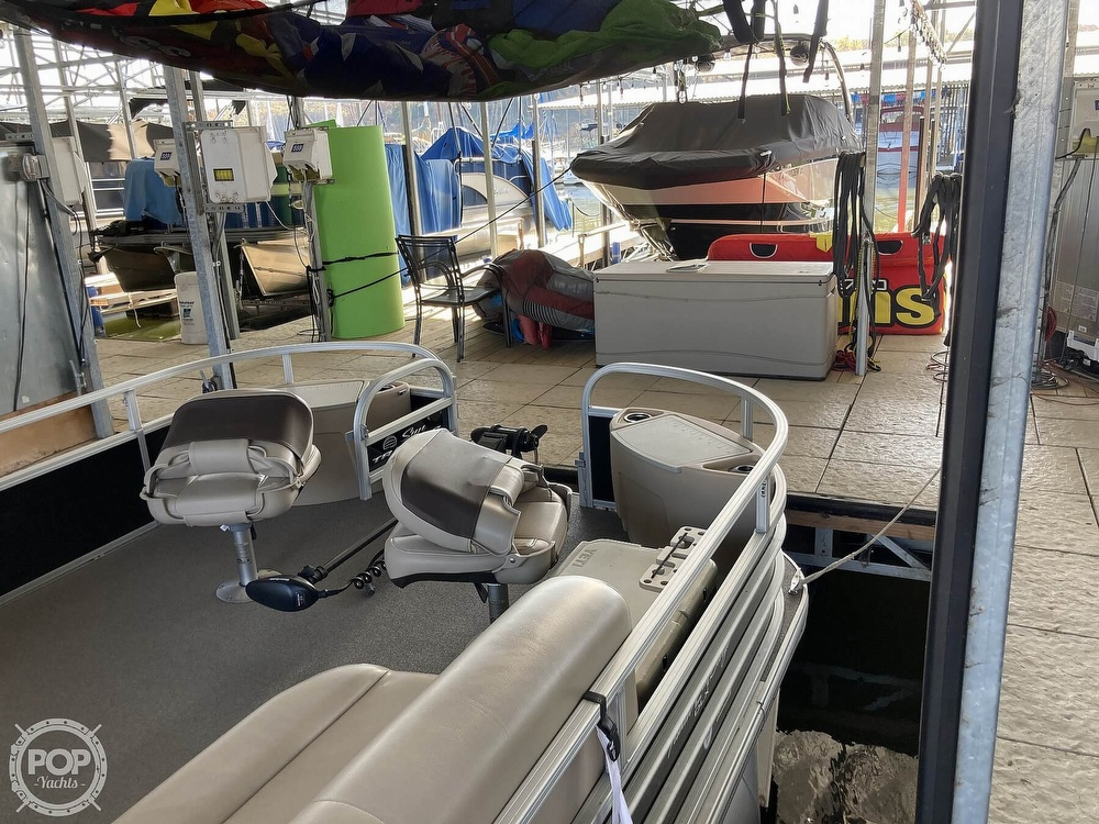 2017 Sun Tracker boat for sale, model of the boat is XP3 Fishing Barge & Image # 16 of 40