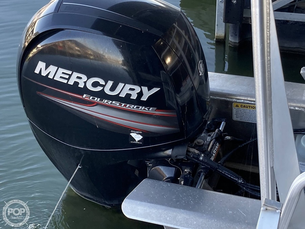 2017 Sun Tracker boat for sale, model of the boat is XP3 Fishing Barge & Image # 19 of 40