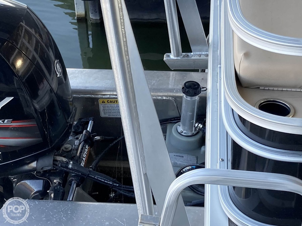 2017 Sun Tracker boat for sale, model of the boat is XP3 Fishing Barge & Image # 20 of 40