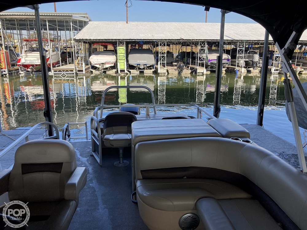 2017 Sun Tracker boat for sale, model of the boat is XP3 Fishing Barge & Image # 36 of 40