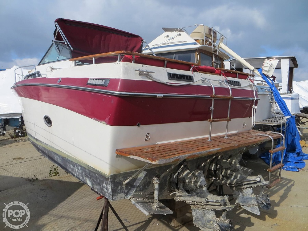 1987 Regal boat for sale, model of the boat is Commodore 277 & Image # 14 of 40