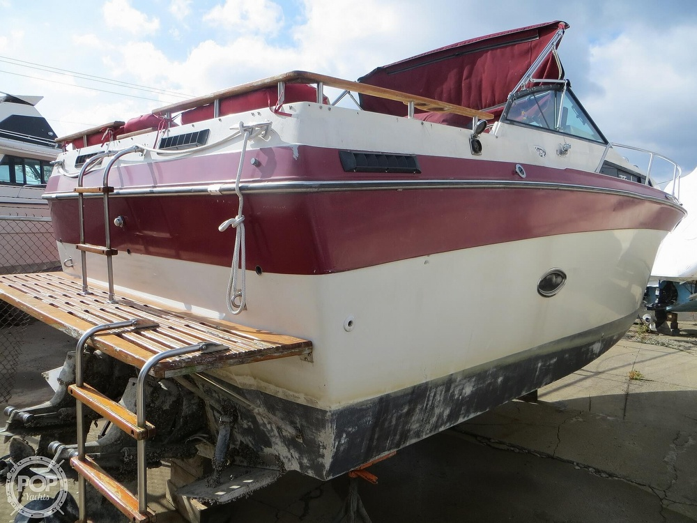 1987 Regal boat for sale, model of the boat is Commodore 277 & Image # 15 of 40