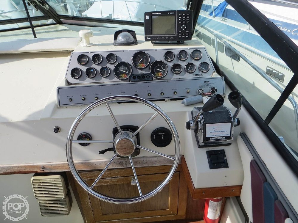 1987 Regal boat for sale, model of the boat is Commodore 277 & Image # 18 of 40