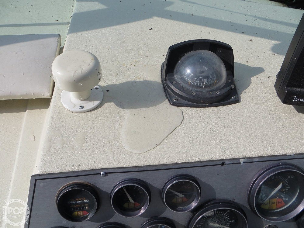 1987 Regal boat for sale, model of the boat is Commodore 277 & Image # 19 of 40