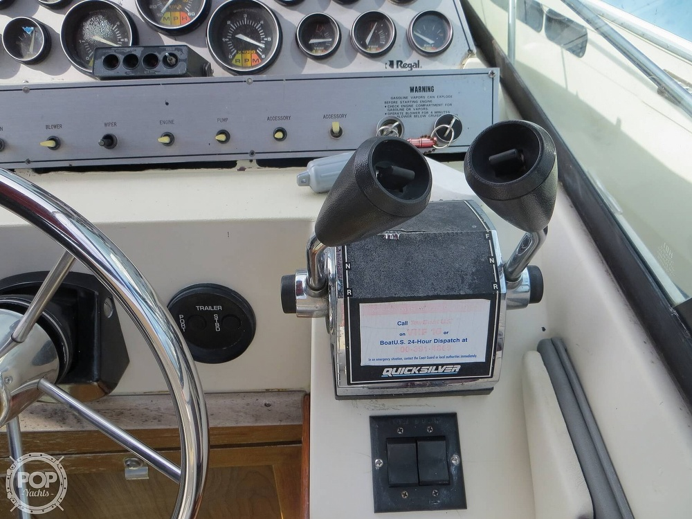 1987 Regal boat for sale, model of the boat is Commodore 277 & Image # 32 of 40