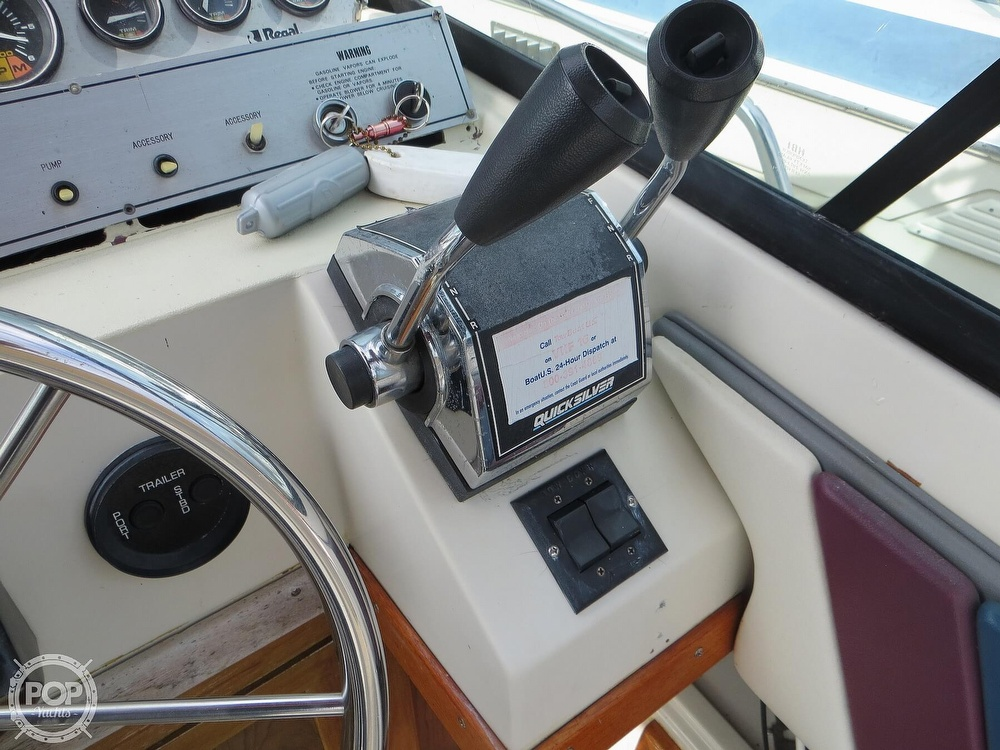 1987 Regal boat for sale, model of the boat is Commodore 277 & Image # 33 of 40