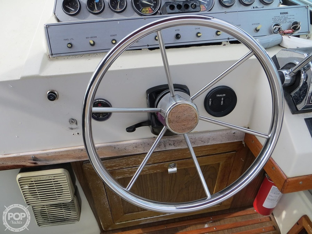 1987 Regal boat for sale, model of the boat is Commodore 277 & Image # 34 of 40