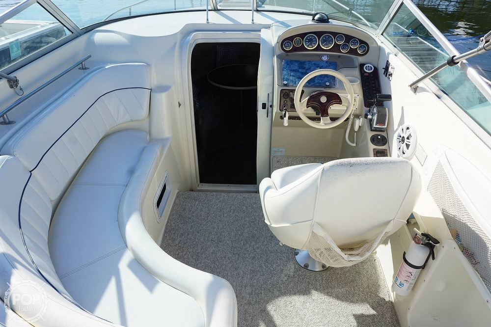 2000 Rinker boat for sale, model of the boat is 270 Fiesta Vee & Image # 3 of 40