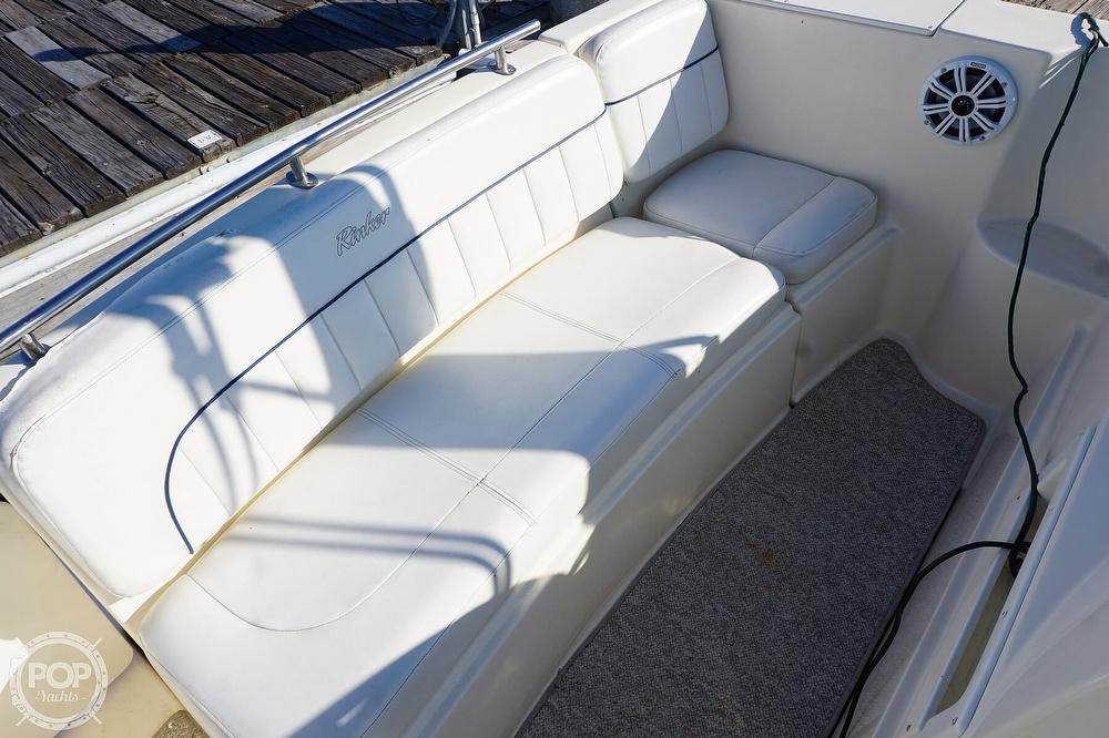 2000 Rinker boat for sale, model of the boat is 270 Fiesta Vee & Image # 4 of 40