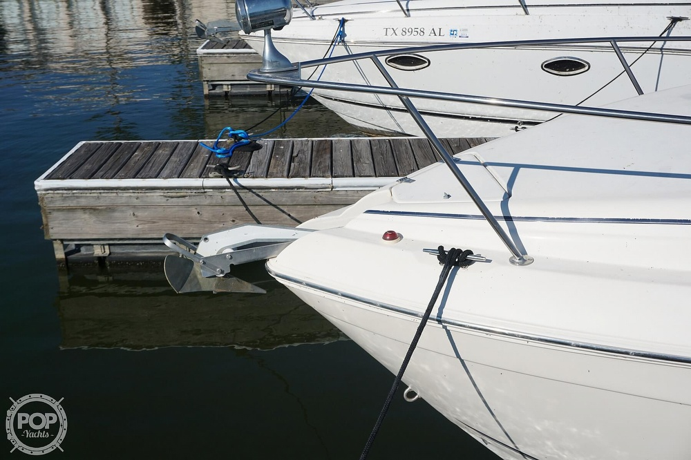 2000 Rinker boat for sale, model of the boat is 270 Fiesta Vee & Image # 34 of 40
