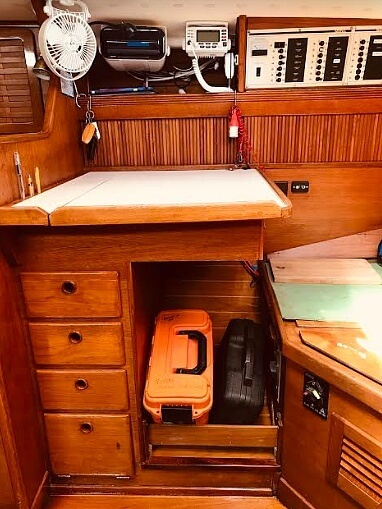 1988 Sabre boat for sale, model of the boat is 34 Mk II & Image # 7 of 40