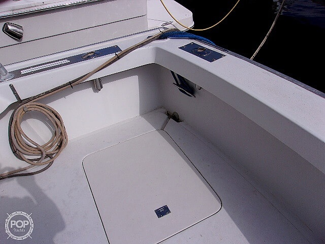 1987 Silverton boat for sale, model of the boat is Convertible & Image # 33 of 40