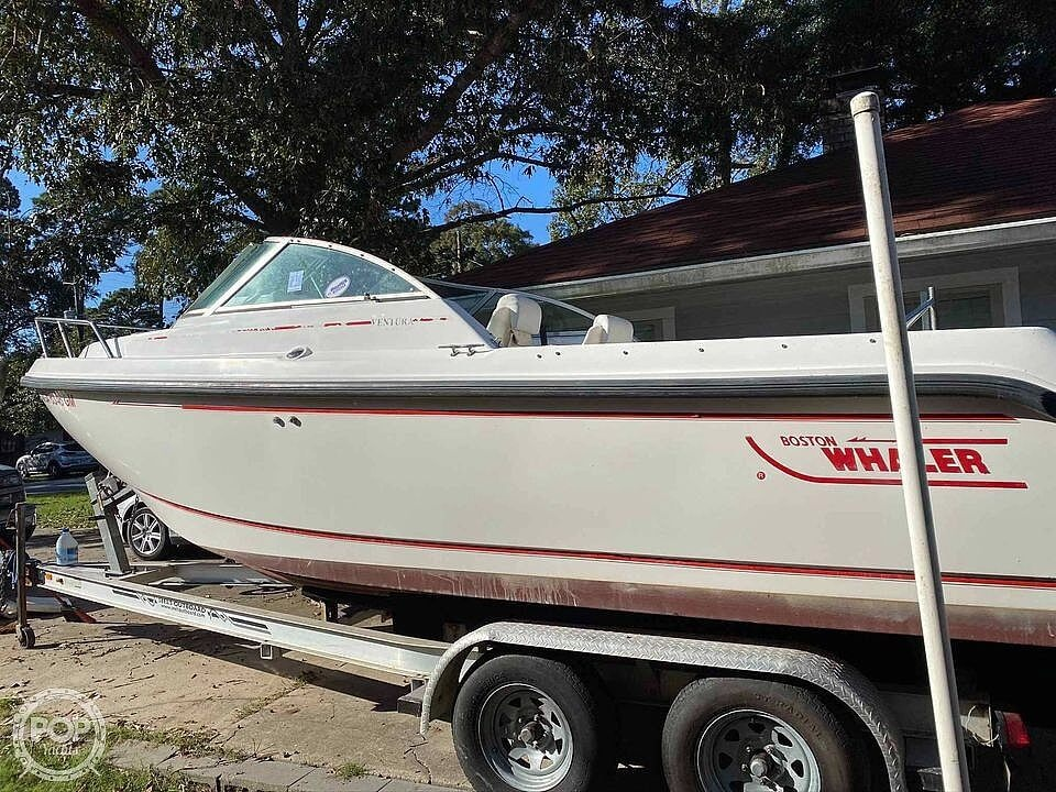 2001 Boston Whaler boat for sale, model of the boat is 21 Ventura & Image # 9 of 40
