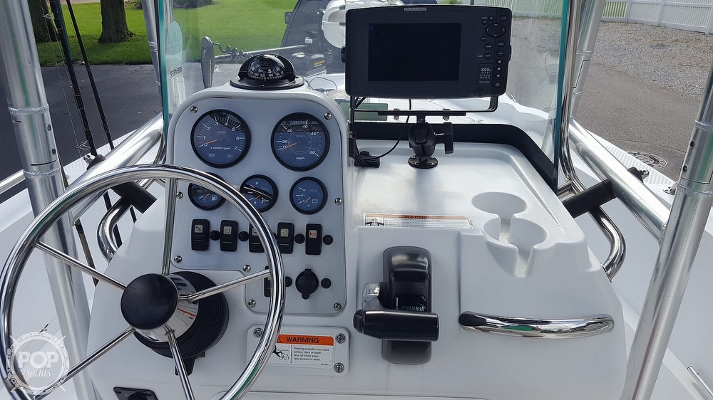 2011 Triumph boat for sale, model of the boat is 190 Bay & Image # 4 of 8