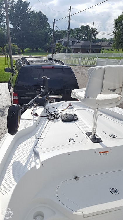 2011 Triumph boat for sale, model of the boat is 190 Bay & Image # 8 of 16