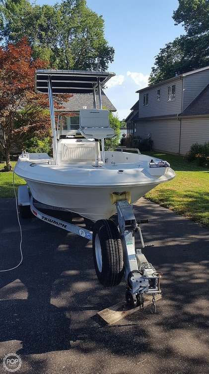 2011 Triumph boat for sale, model of the boat is 190 Bay & Image # 10 of 16