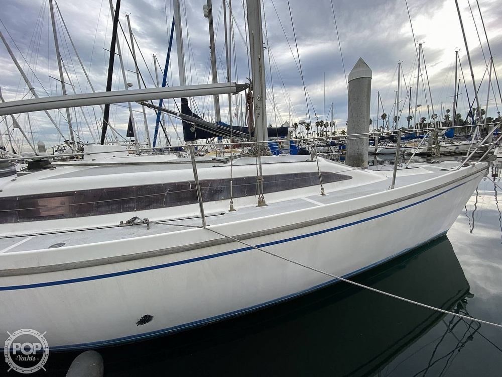 1986 Lotus 9.5 boat for sale, model of the boat is 31 & Image # 5 of 40