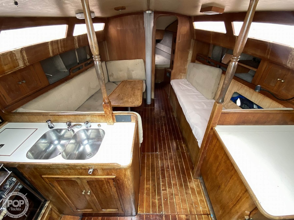 1986 Lotus 9.5 boat for sale, model of the boat is 31 & Image # 8 of 40