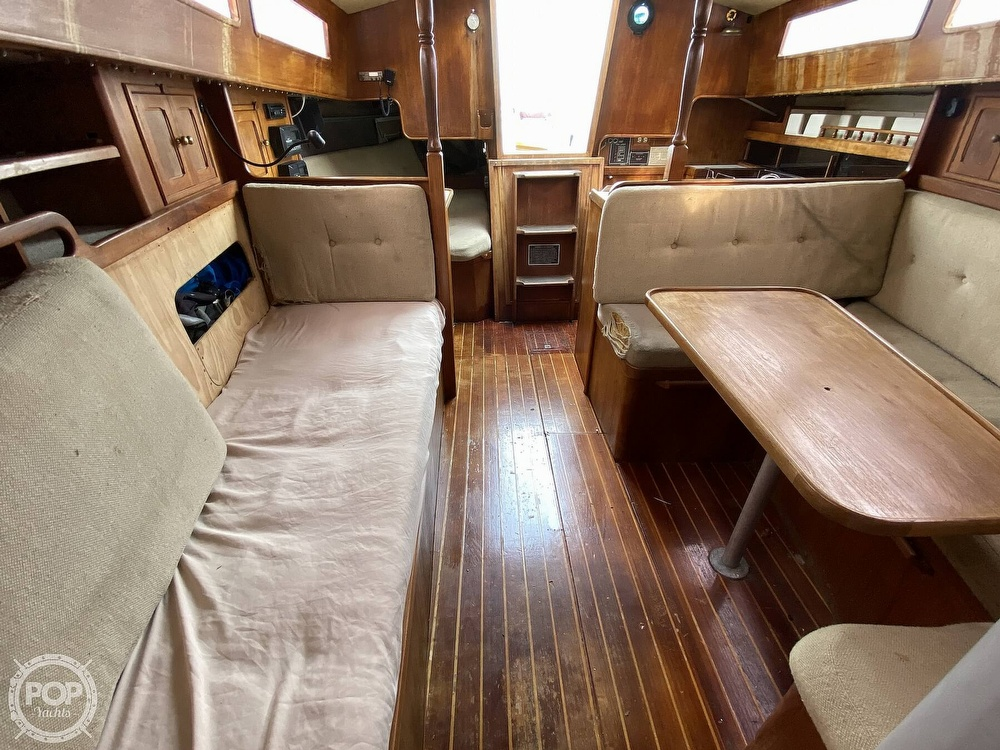 1986 Lotus 9.5 boat for sale, model of the boat is 31 & Image # 13 of 40