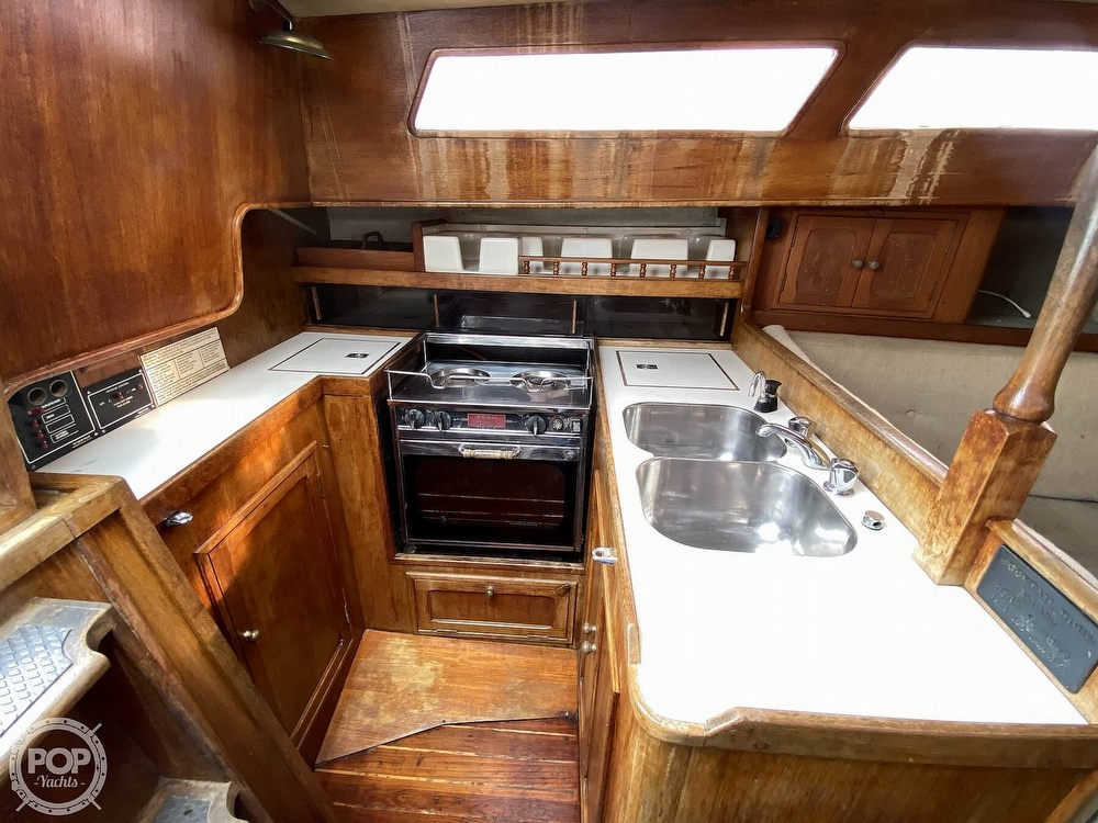 1986 Lotus 9.5 boat for sale, model of the boat is 31 & Image # 15 of 40