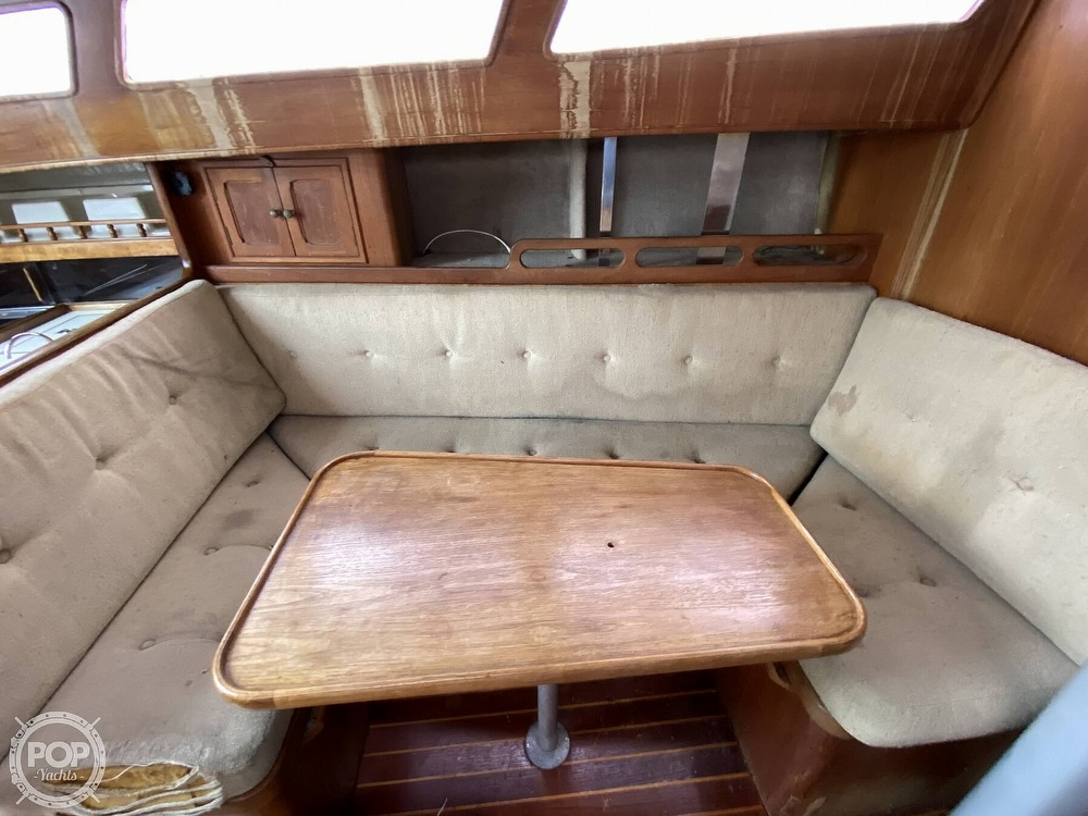 1986 Lotus 9.5 boat for sale, model of the boat is 31 & Image # 16 of 40