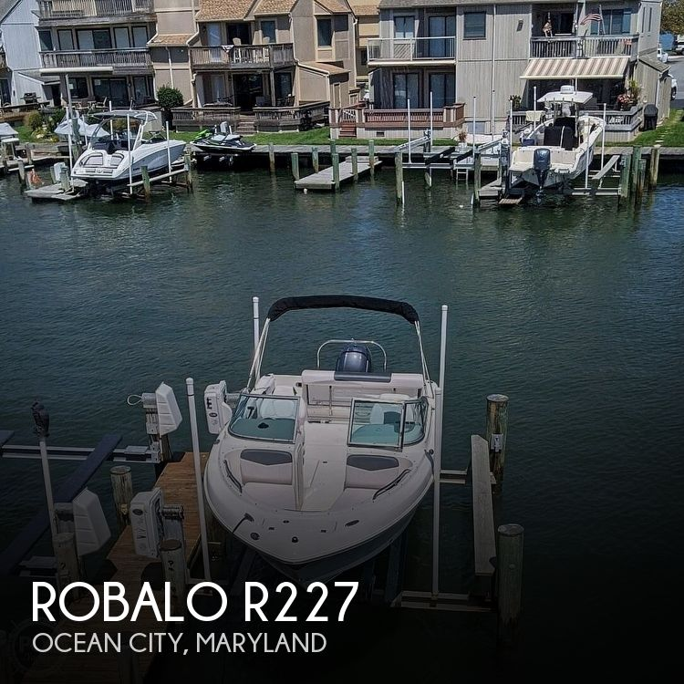 2019 ROBALO R227 for sale