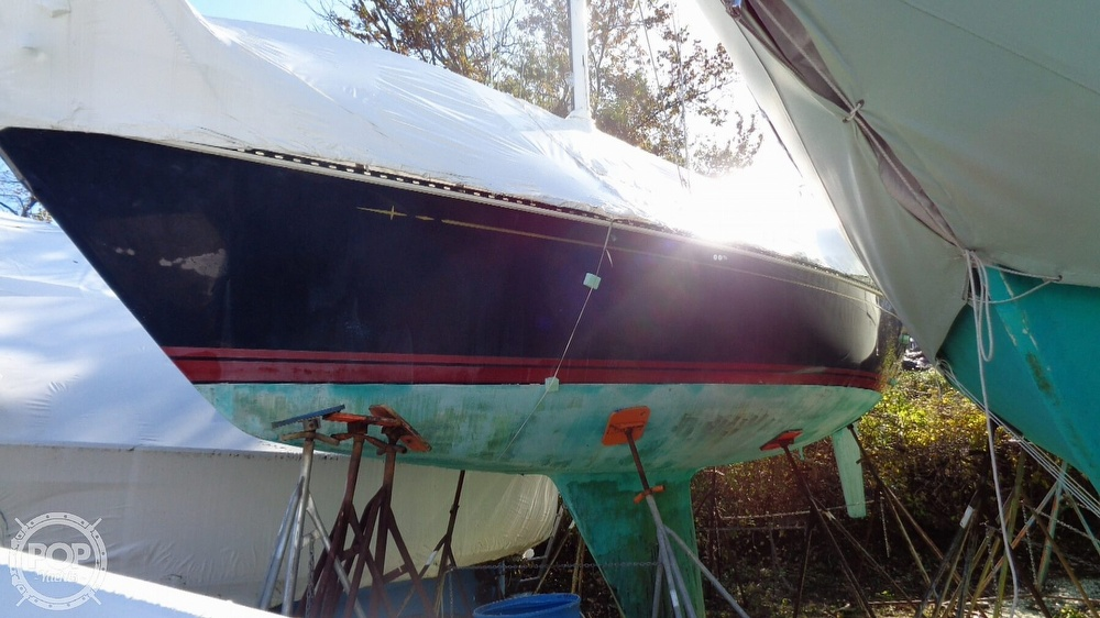 1986 C & C boat for sale, model of the boat is 33 MK II & Image # 10 of 40