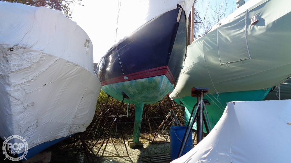 1986 C & C boat for sale, model of the boat is 33 MK II & Image # 11 of 40