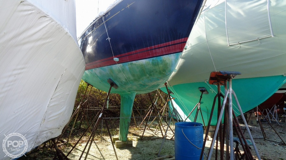 1986 C & C boat for sale, model of the boat is 33 MK II & Image # 12 of 40