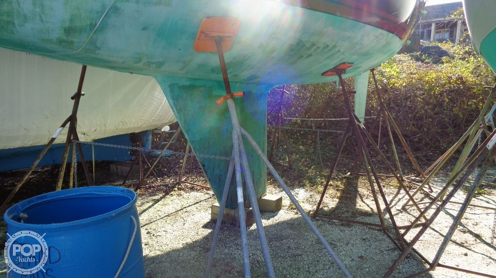 1986 C & C boat for sale, model of the boat is 33 MK II & Image # 14 of 40