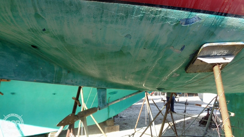1986 C & C boat for sale, model of the boat is 33 MK II & Image # 23 of 40
