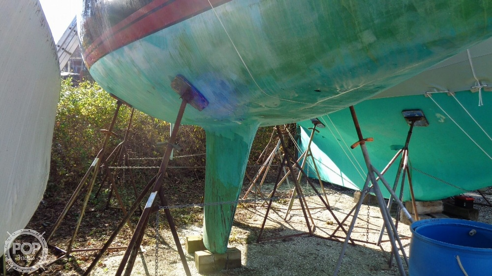 1986 C & C boat for sale, model of the boat is 33 MK II & Image # 29 of 40