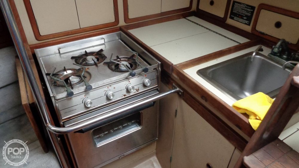 1986 C & C boat for sale, model of the boat is 33 MK II & Image # 40 of 40