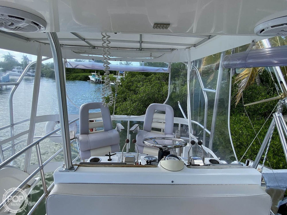 2003 Luhrs boat for sale, model of the boat is 34 Convertible & Image # 10 of 40