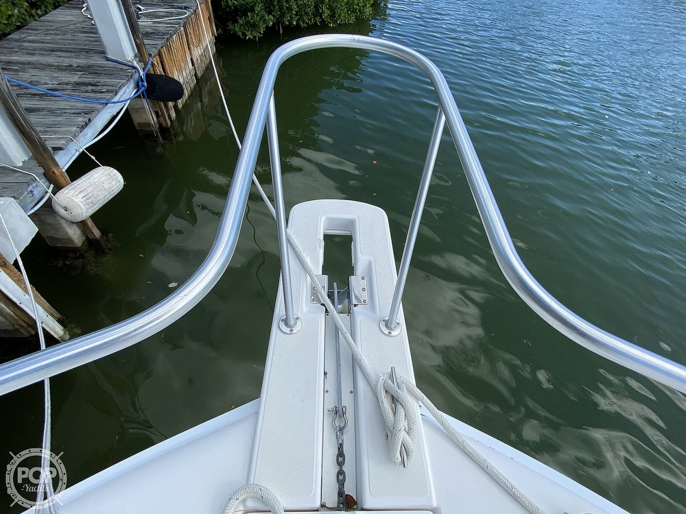 2003 Luhrs boat for sale, model of the boat is 34 Convertible & Image # 14 of 40